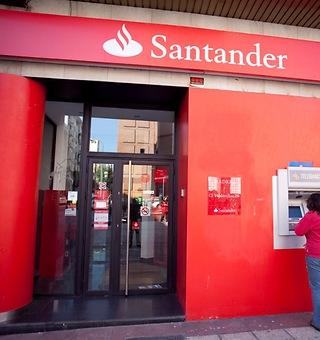 Santander Río, un líder que sigue creciendo en Argentina - 320x340