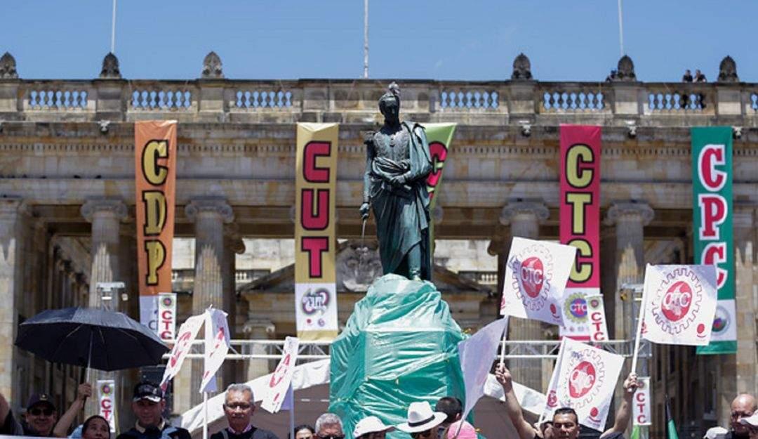 Las protestas en Colombia se intensificarán en 2020, amenaza presidente de la CUT