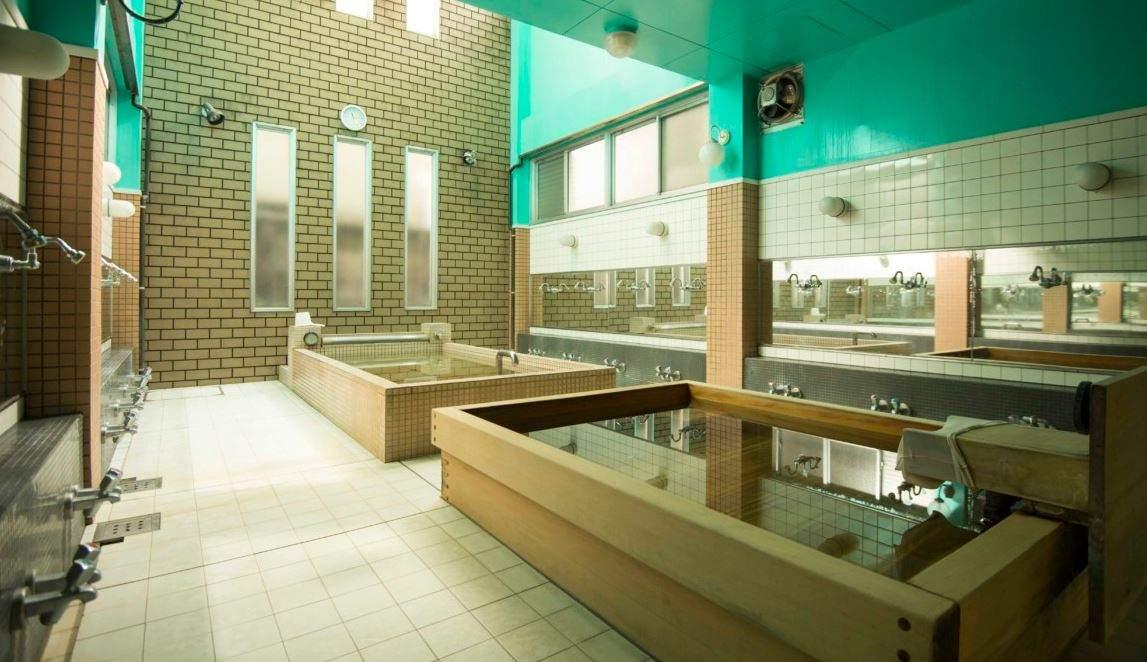 Casa-de-banos-Hinodeyu