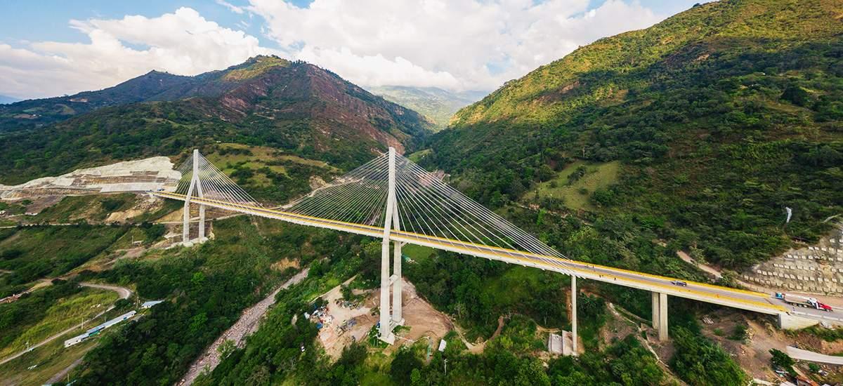 Gobierno pone en funcionamiento el Puente Hisgaura en Santander