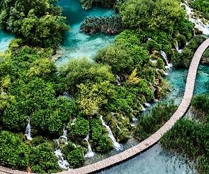 /imag/_v0/1280x852/2/c/9/plitvice-parque-natural-1-pixabay.jpg - 300x250