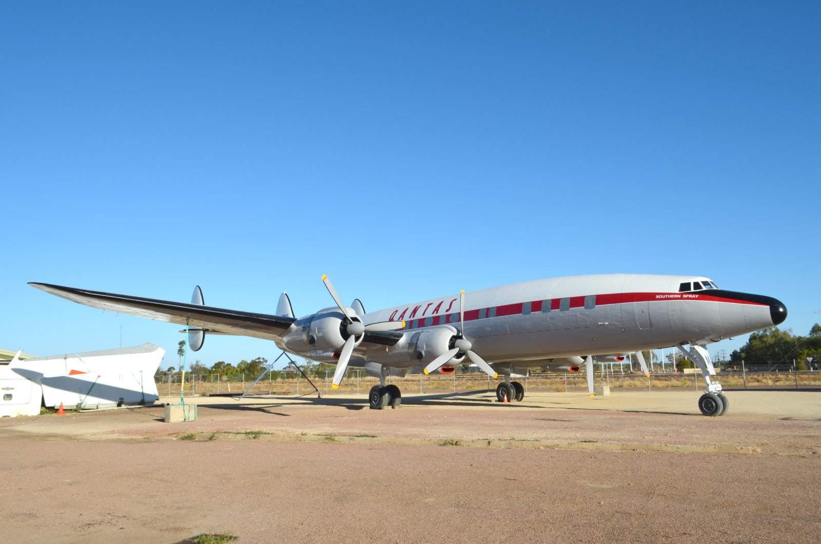 27ae76eeb7 El Air Force One de Manila: una reliquia de la aviación abandonada se  convierte en museo