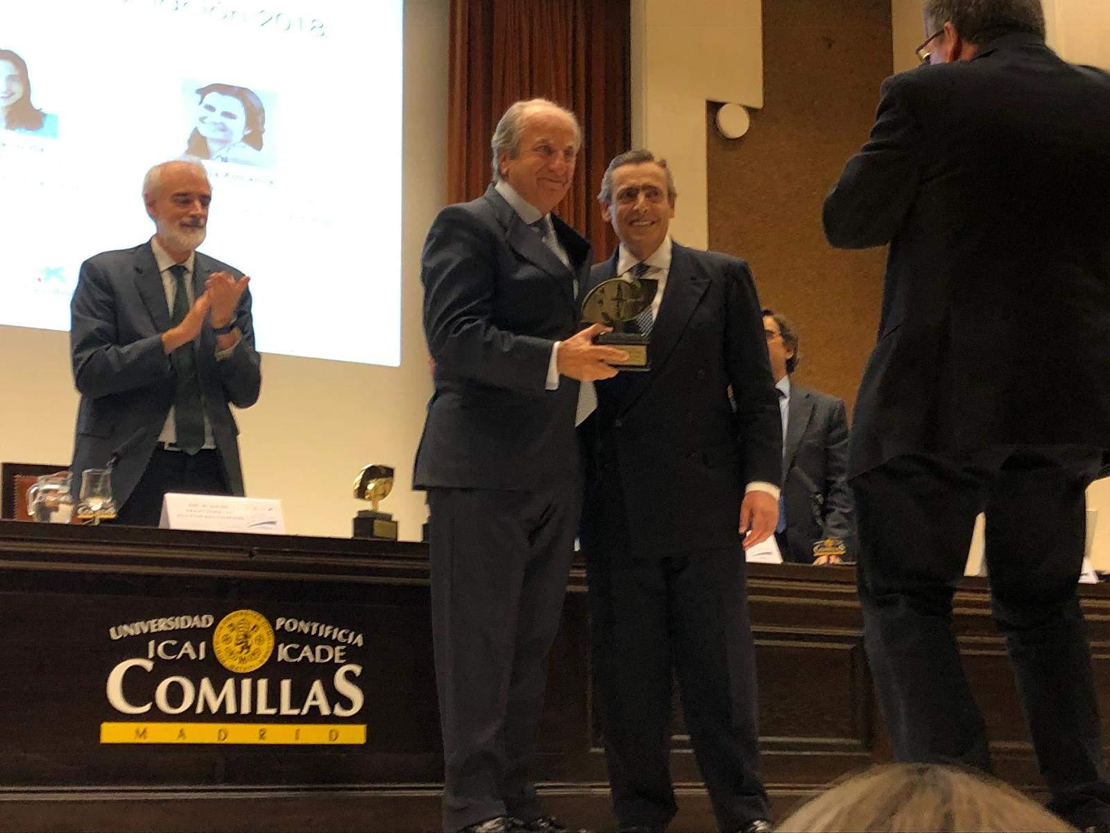 Icade entrega el premio anual a la excelencia profesional for Serna v portales