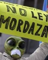 Cs ya empieza a alejarse del PP: permite que el Congreso reactive la derogación de la ley mordaza