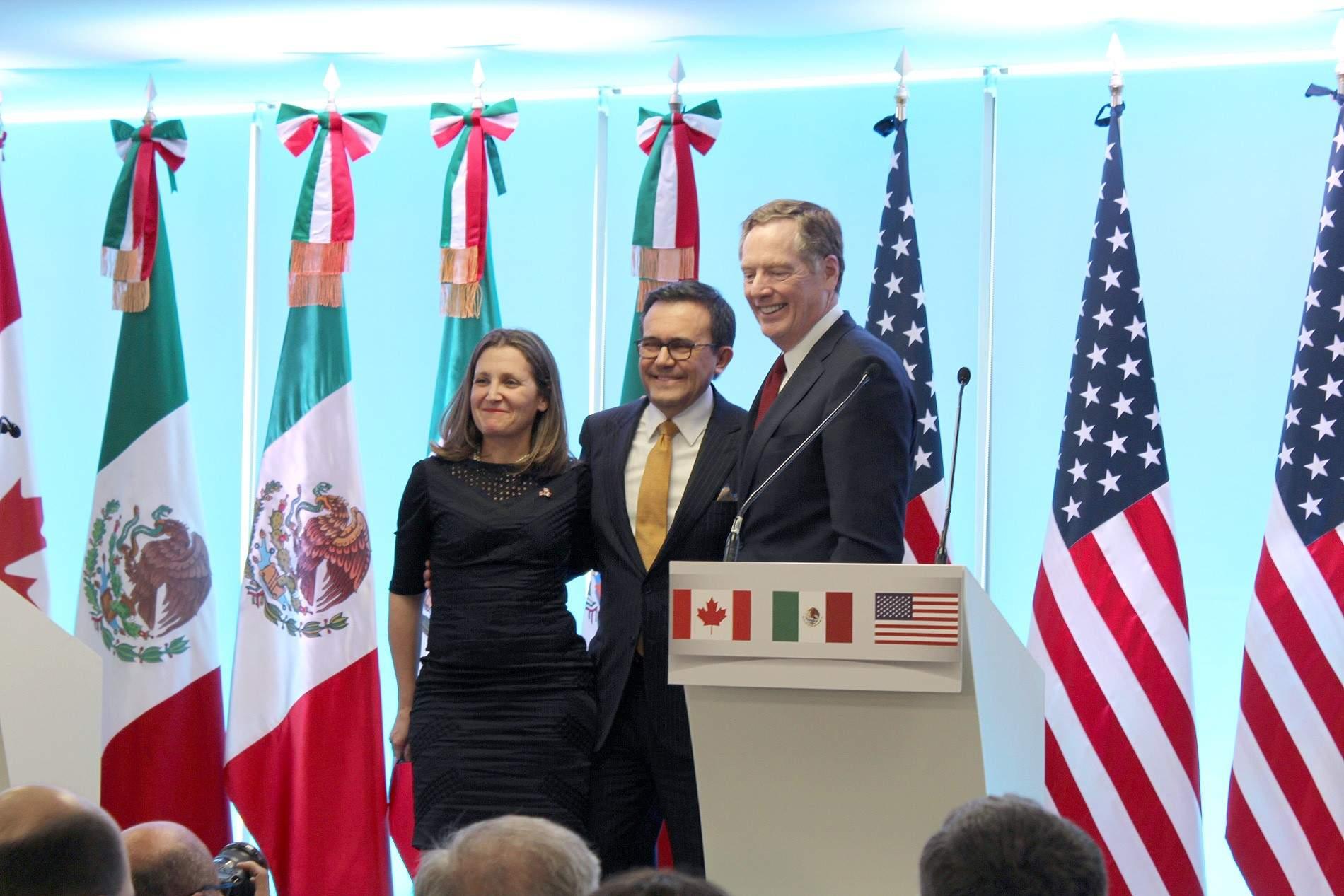 Muro no es ni será parte de negociación del TLCAN: Guajardo