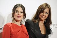 Adriana Ugarte y la escritora María Dueñas - 195x130