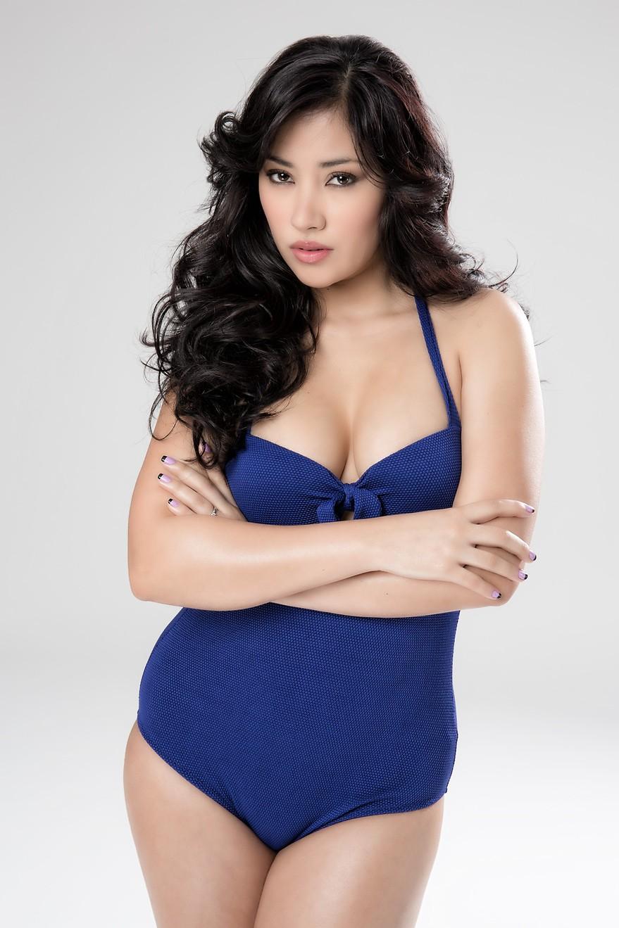 Giselle Calderon Nude Photos 47