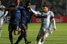 Susto en Argentina: Messi se fue lesionado
