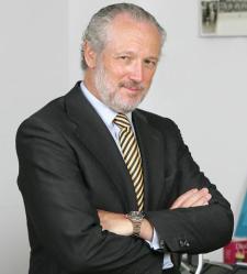 José Luis López-Schümmer es presidente y consejero delegado de Mercedes-Benz España