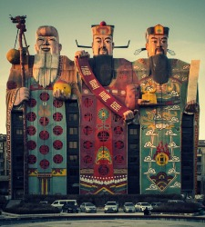 Arquitectura de lo grotesco en China: cuando un zapato es una iglesia