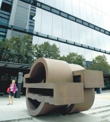 repsol-estatua.jpg