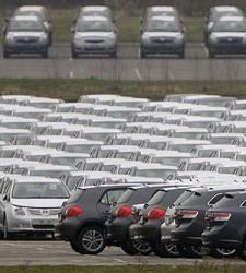 Las ventas de coches se desploman un  en marzo con el efecto Semana Santa