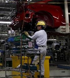 Toyota reanuda la producción en Japón tras los seísmos de abril
