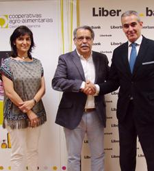 Acuerdo entre Cooperativas Agro-alimentarias Castilla-La Mancha y Liberbank