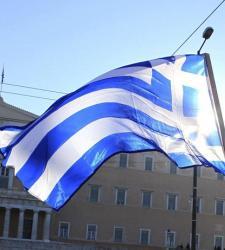 Fitch baja tres escalones el rating de Grecia: de B a CCC