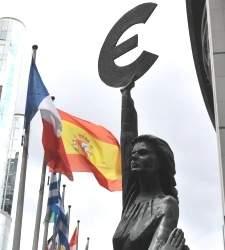 Bruselas aplaza los ajustes de España: tendrá dos años más para reducir el déficit