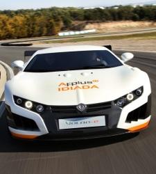 El coche de carreras eléctrico español Volar-e se expone en Bruselas