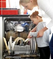 Poner el lavavajillas de madrugada supone un ahorro de solo 3 céntimos