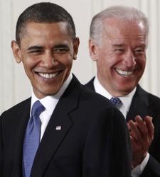 biden_obama_risa.jpg