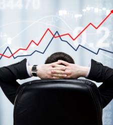 El Ibex 35 sigue en la pomada pese a las caídas de los bancos