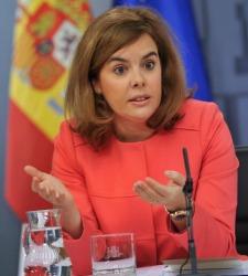 Rajoy quita poder a Santamaría y dará él las nuevas licencias de TV - 300x150