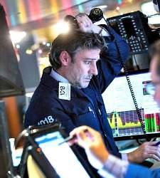 Wall Street se desmarca de las bolsas europeas y cierra plano