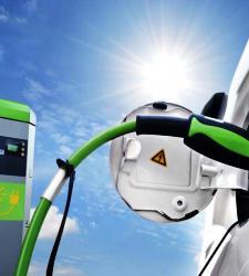 coche_electrico_recarga.JPG