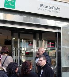 La destrucci n de empleo p blico se multiplica por 34 en for Oficinas sae sevilla