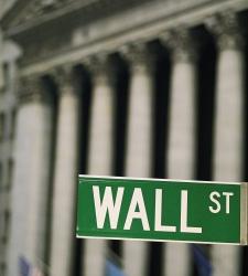 Wall Street toca techo y cierra con caídas notables la sesión