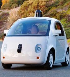 El coche de Google tendrá airbags externos para proteger al peatón