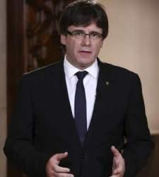 Puigdemont convoca una sesión plenaria para debatir la respuesta al artículo 155