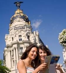 El turismo acumula un superávit de casi 19.500 millones hasta julio