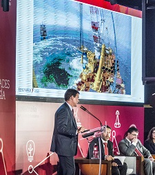 Iberdrola anima a la industria a mirar a la eólica marina como alternativa y relevo al Oil&Gas