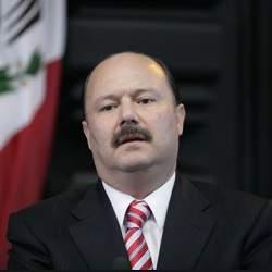 Embargan a César Duarte