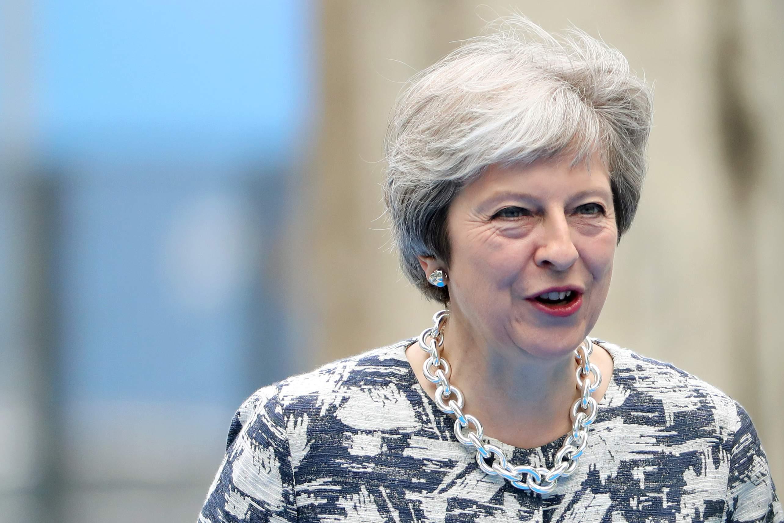 Reino Unido quedará atado a la Unión Europea eternamente: lo que May quería esconder del informe legal del Brexit