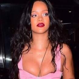 Rihanna: salen a la luz sus fotos inéditas en topless