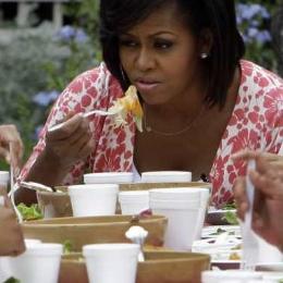 Michelle Obama le da al salmorejo en Madrid
