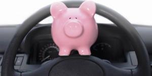 ¿Renuncia al coche por dinero? 50 trucos para ahorrar con él