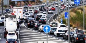 Ahorre tiempo y dinero: cinco aplicaciones móviles para evitar atascos en ciudad y carretera