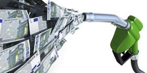 La OCU inicia la compra de gasolina para ahorrar un mínimo de 8 céntimos por litro