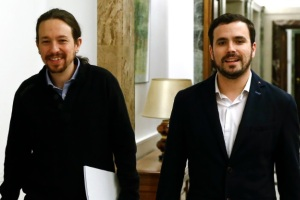 Un sondeo augura el sorpasso: IU y Podemos superarán en votos al PSOE