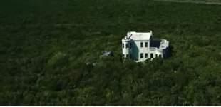 Se vende isla privada con castillo nazi