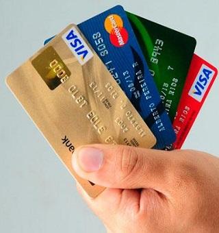 Sepa cuántas comisiones te cobran por el uso de tu tarjeta de crédito