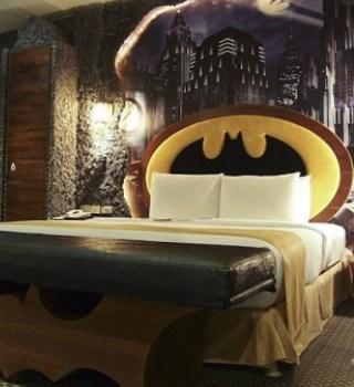¡Puedes dormir en la Batcueva!