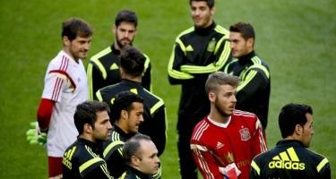 Pique entre Isco y Cesc en el entrenamiento de España