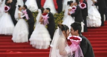 Las parejas más románticas son menos equitativos son sus gastos