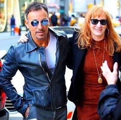 Bruce Springsteen Es Hombre De Dos Mujeres Y Alguna Amante