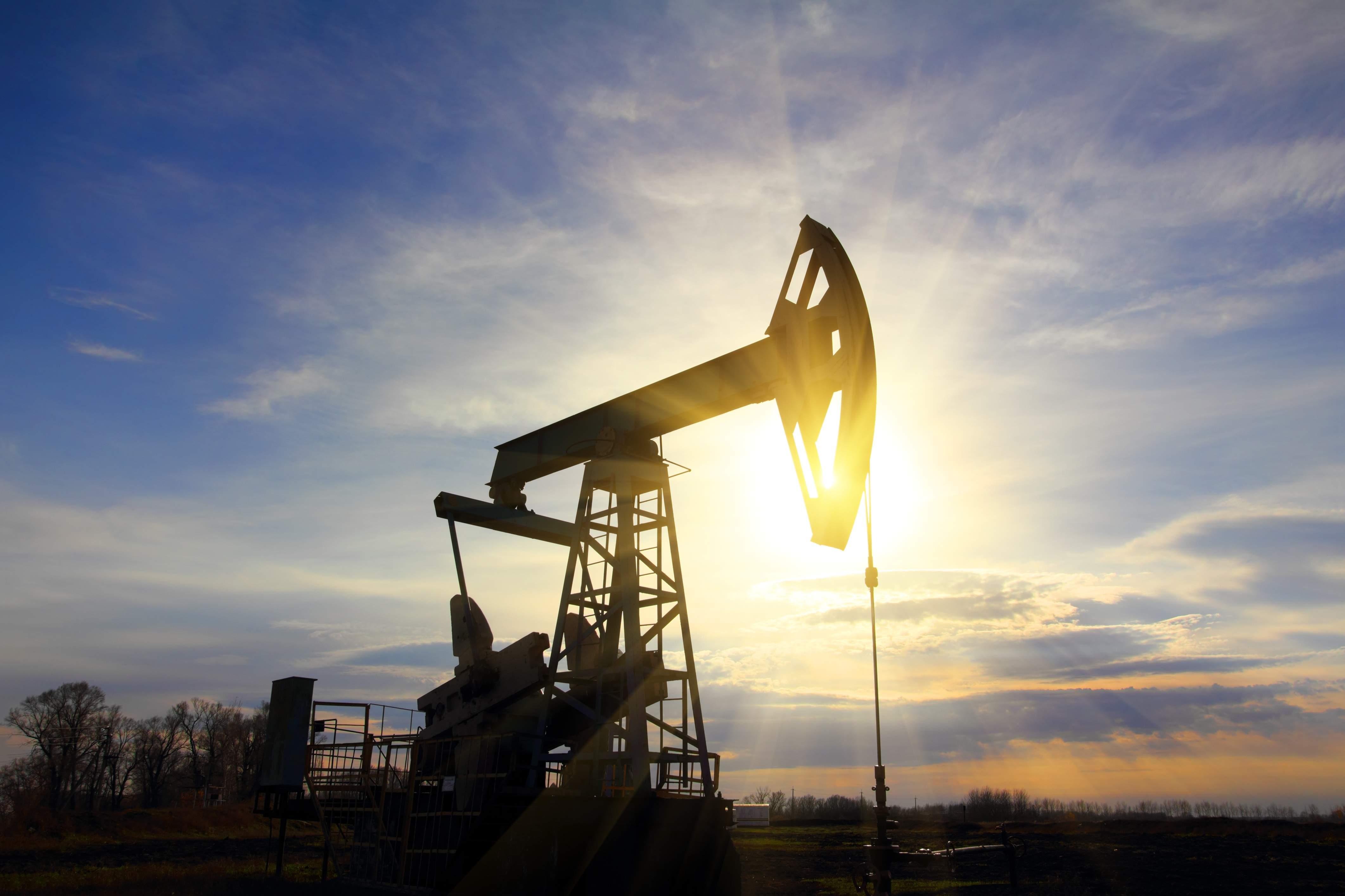¿Qué está pasando con el petróleo? Del fin del oro negro a superar los 85 dólares por barril