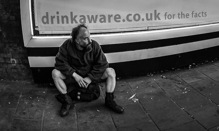 La historia de los londinenses con trabajo que hacen cola en ...