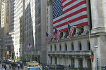 Wall Street cae con fuerza por el miedo a Grecia - 150x100